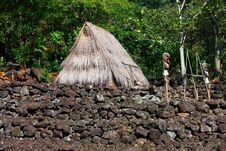 Free Hut And Figures, Traditional, Hawaii Royalty Free Stock Photo - 24893055