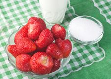 Free Strawberries In A Glass Bowl Stock Photos - 24894693