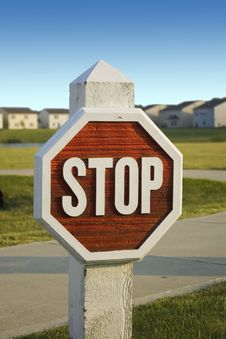Free Wooden Stopsign In Subdivision Stock Images - 2498754