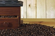 Free Coffee Grinder Royalty Free Stock Images - 24904189