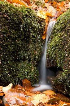 Free Small Waterfall Stock Photo - 24927000