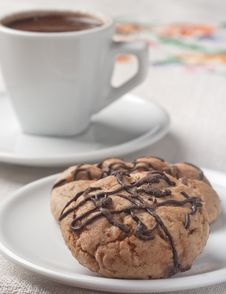 Free Coffee With Chocolate Cookie Royalty Free Stock Images - 24927869