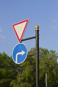 Free Road Sign Stock Photo - 24978060