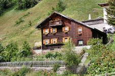 Free Old Wooden House In The Passeier Valley Stock Photos - 24980903