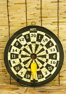 Free Darts On A Bamboo Wall Royalty Free Stock Photography - 24989667