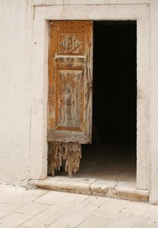Free Old Door Royalty Free Stock Images - 251919