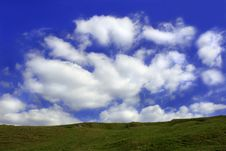 Free Clouds Floating Along Royalty Free Stock Images - 257779