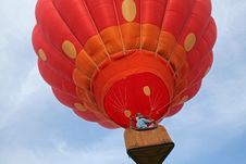 Free Ascending Hot Air Balloon Stock Photo - 2504710