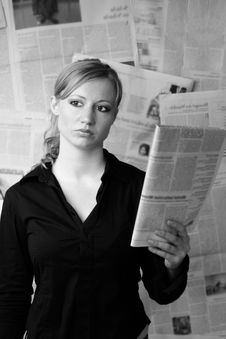 Free Woman With Newspaper Royalty Free Stock Photography - 2506707