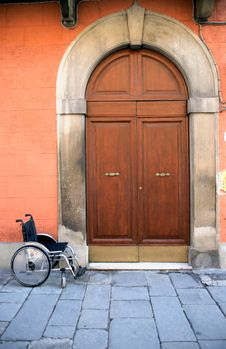 Free Wheelchair Near Entrance Stock Photography - 25005152