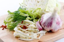 Free Set Of Cabbage And Raw Vegetables Royalty Free Stock Images - 25014009