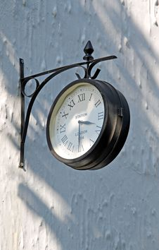 Free Old Train Station Clock Stock Photo - 25015320