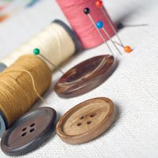 Free Many Bobbin Of Thread With Needle Royalty Free Stock Image - 25017536