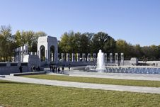 Free Fountains At The World War II Memorial Stock Photography - 25046902