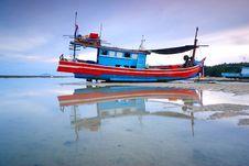 Free Thai Fishing Boat Royalty Free Stock Photos - 25051688