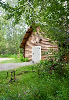 Free Cabin Shop Backyard Alaska Outback Architecture Stock Image - 25068741