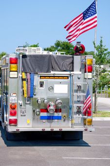 Free Fire Truck With United States Flag Royalty Free Stock Photo - 25072535