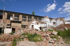 Free Dilapidated Houses Stock Image - 25090591