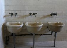 Free Wash Basin Royalty Free Stock Images - 25095239