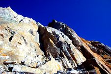 Free Mountain On The Blue Sky Royalty Free Stock Images - 2516449