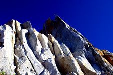 Free Mountain On The Blue Sky Royalty Free Stock Images - 2516749