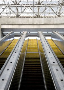 Free Escalator Royalty Free Stock Image - 2519196