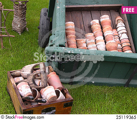 Free Old Terracotta Pots And Garden Tools Royalty Free Stock Photo - 25119365