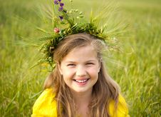 Free Girl With Wreath Stock Photo - 25110480