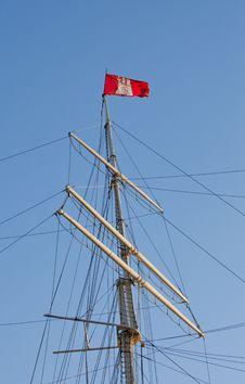Free Hamburg Flag On A Sailship Royalty Free Stock Photo - 25121035