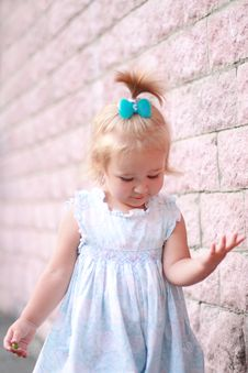Free Smiling Little Girl Royalty Free Stock Image - 25127956