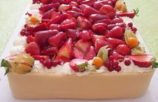 Free Marzipan Strawberry Cake Stock Photography - 25128682