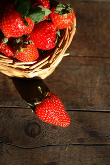 Free Strawberry On Wood Stock Image - 25136341