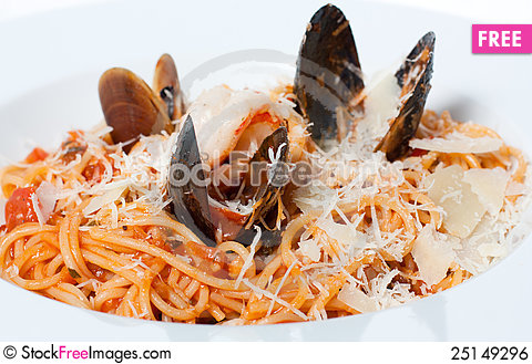 Free Delicious Spaghetti With Seafood Royalty Free Stock Image - 25149296