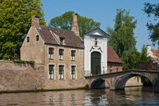 Free Bruges Canal Royalty Free Stock Photography - 25144277