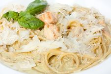 Free Tasty Spaghetti With Chunks Of Fish Fillet Stock Photography - 25149322