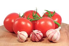 Fresh Tomatoes And Garlic Royalty Free Stock Photo