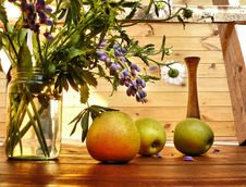 Free Apples On A Timber Floor Royalty Free Stock Image - 25195756