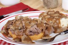 Free Roast Beef  And Gravy Stock Photo - 25197580