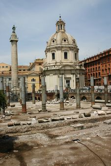 Free The Roman Forum - Rome Royalty Free Stock Photography - 2520927