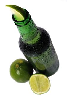 Free Beer With Lime Royalty Free Stock Photos - 2524548