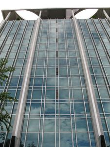 Free Beautiful Glass Building In Si Stock Image - 2528681