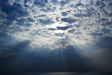 Free Blue Sky And Sunbeam Royalty Free Stock Images - 25208929