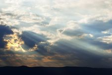 Free Blue Sky And Sunbeam Royalty Free Stock Photography - 25208977