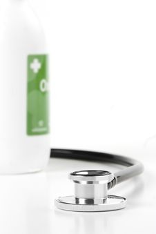 Free Stethoscope With Oxygenated Water Stock Photos - 25241423