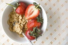 Free Cereal Bowl With Strawberry On White Stock Photography - 25249792