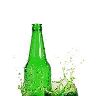 Free Green Bottle On Water Splash Stock Image - 25261121