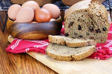 Free Fresh Zucchini Bread 2 Stock Photography - 25263212