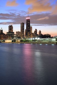 Free Partial View Of Chicago Skyline At Dusk Stock Images - 25279514