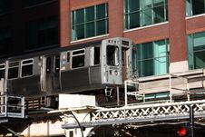 Free Elevated Commuter Train In City Of Chicago Royalty Free Stock Photo - 25279535