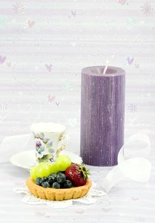 Free Fruit Tart And Ribbon Royalty Free Stock Photography - 2532617